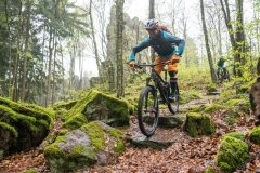 leicht verblockte Singletrails machen Laune