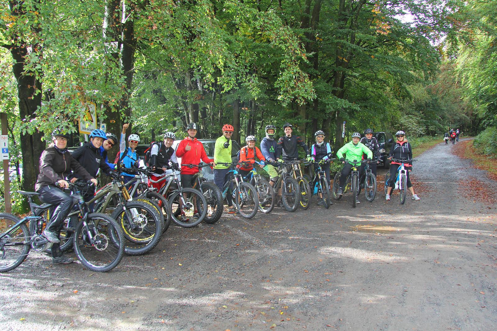 für große Gruppen geeignete E-Mountainbike Tour