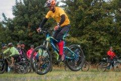 Bunny Hop mit dem E-Mountainbike braucht etwas mehr Impuls