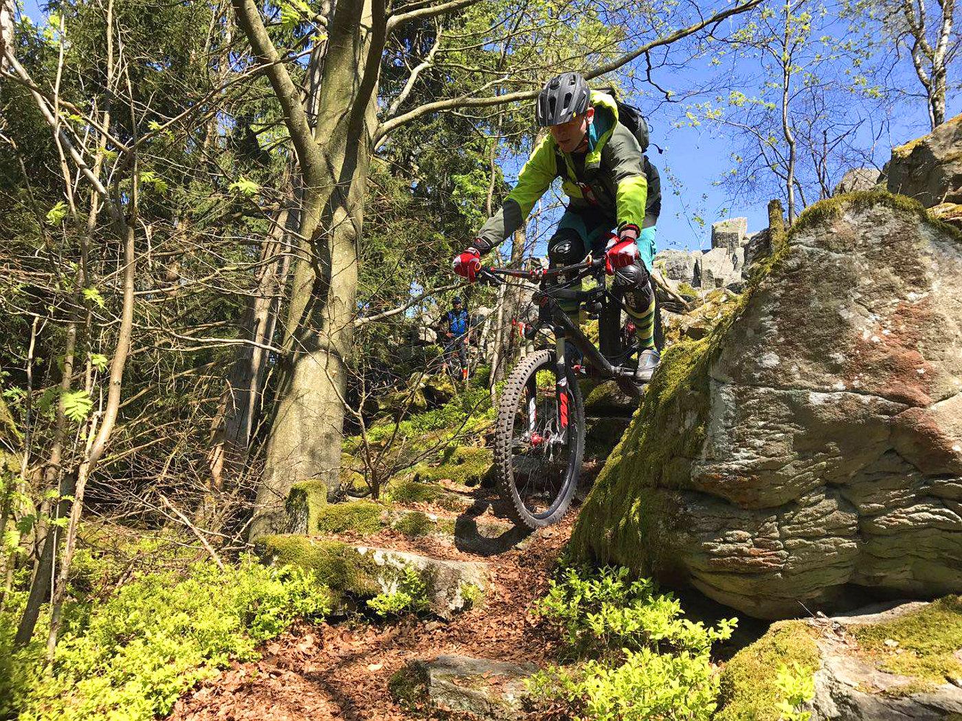 verblocktes Gelände locker biken