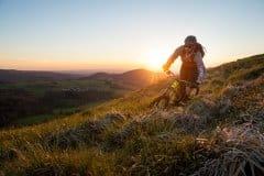 Sonne und Trails