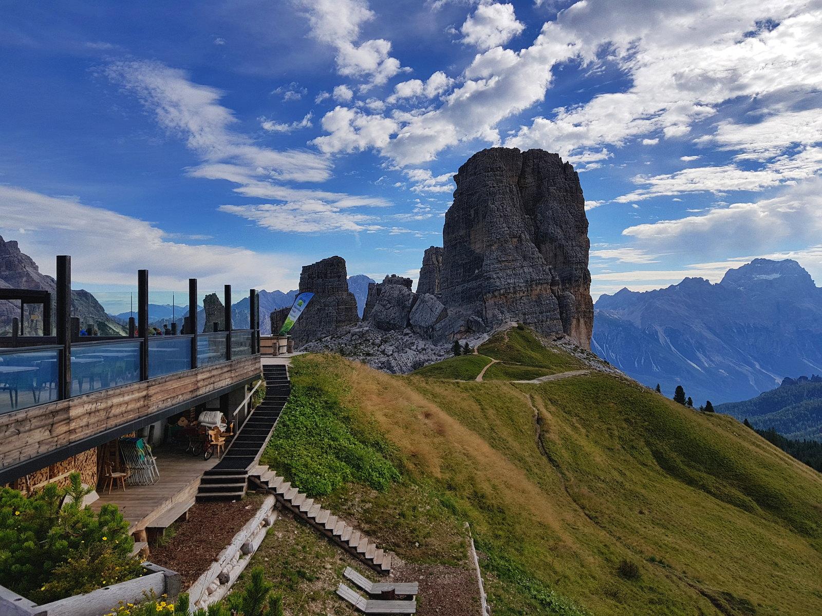 sehr schöne Hütte in den Dolomiten