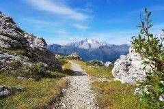 Dolomiten Trails mit Marmolada Blick