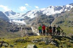 der Forni Gletscher begleitet uns
