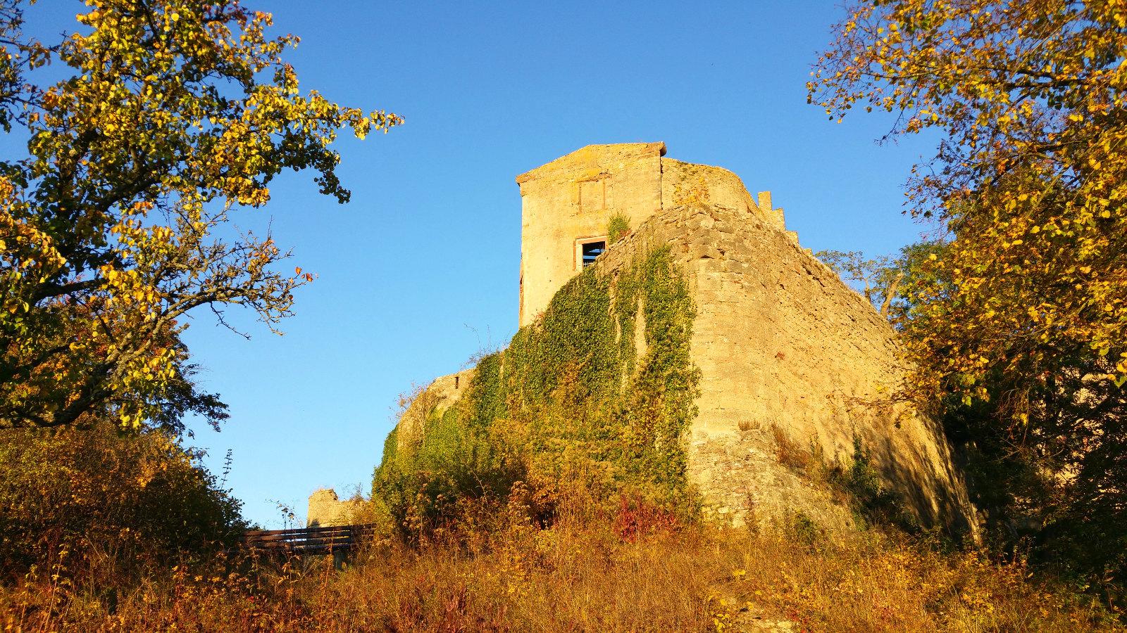 alte Burgen und Ruinen gibt es zu bestaunen